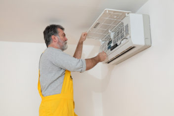 Got a Mouldy Air Conditioner? Here's How to Fix it Safely